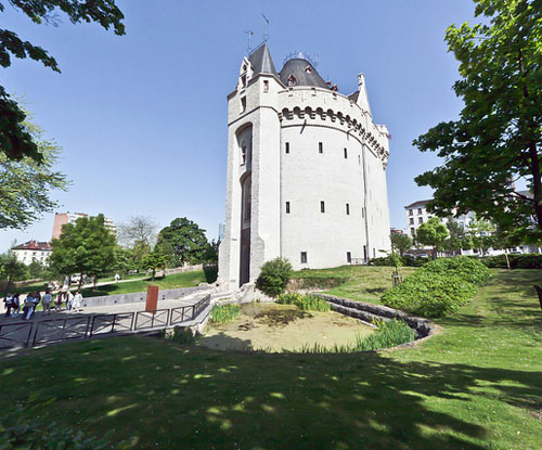 Sites to See in Brussels - Halle Gate