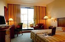 Les Berges du Lac Concorde Hotel