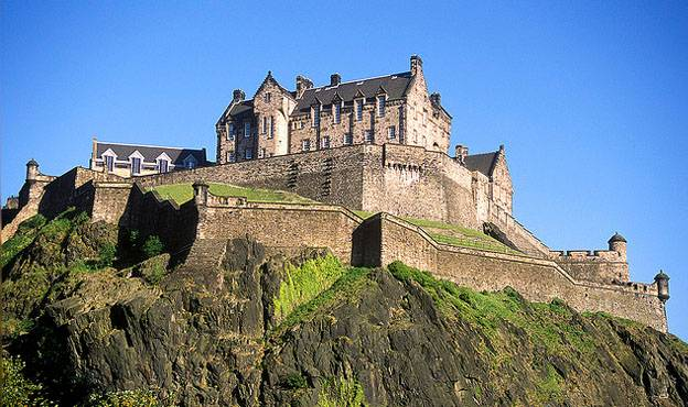 Top UK Tourist Attractions - The Edinburgh castle