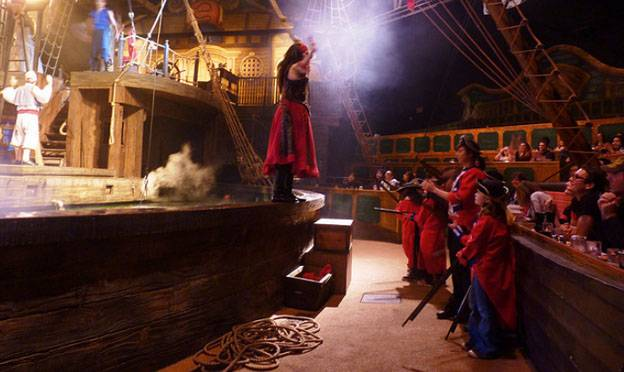 Book An Orlando Villa - Pirate's Dinner Adventure