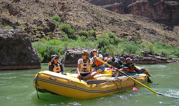 colorado-river-arizona-white-water-rafting