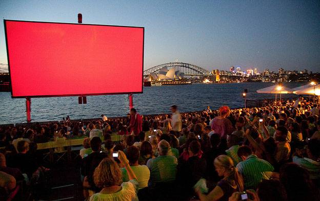 mrs-macquarie's-Chair-cinema-sydney-australia