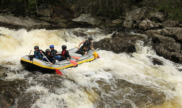 perthshire-scotland-white-water-rafting