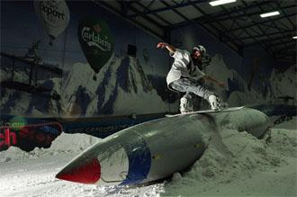 snowdome-tamworth-snowboarding