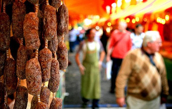 street-market-milan