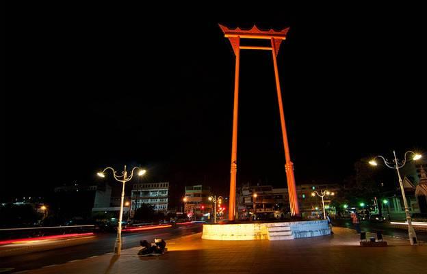 giant-swing-bangkok-thailand