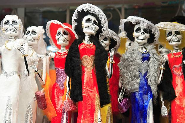 Wendy-Connett-folk-art-skeletons-photograph-sample
