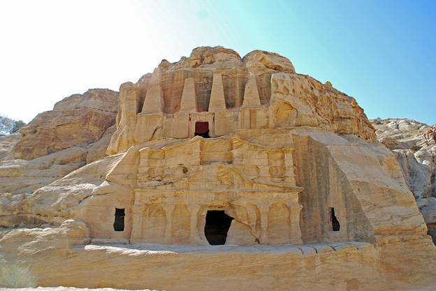 obelisk-tomb-petra