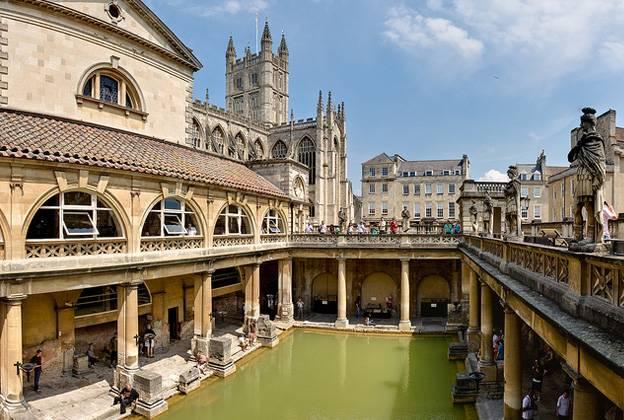 bath-roman-bath-spa-england