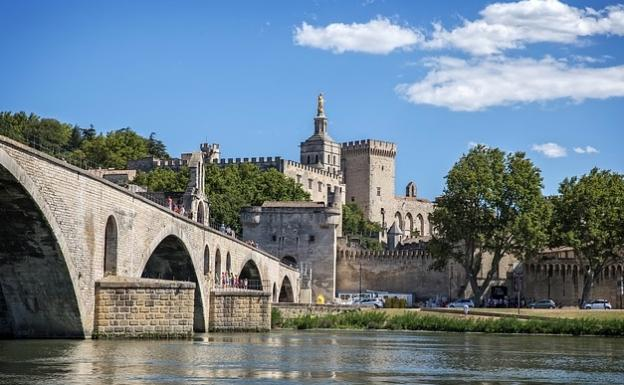 bridge-of-avignon-france