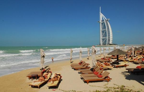 Wander around the beaches in Dubai