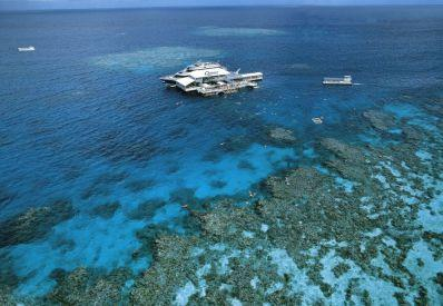 Amazing floating hotels - reef floating hotel