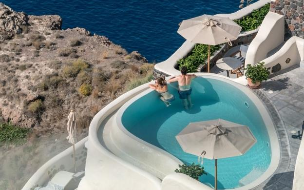 Best Santorini hotels with pool