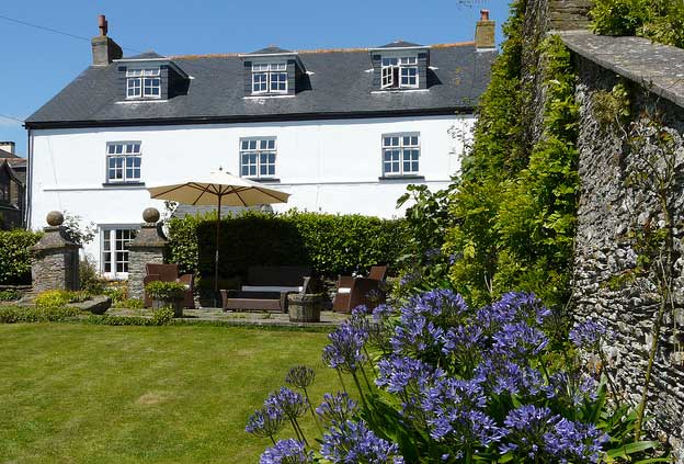 Places to Stay in England - Strete Barton House: