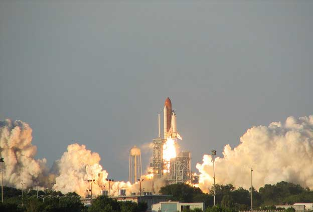 Eco-Unfriendly Holidays - Space Shuttle Flights