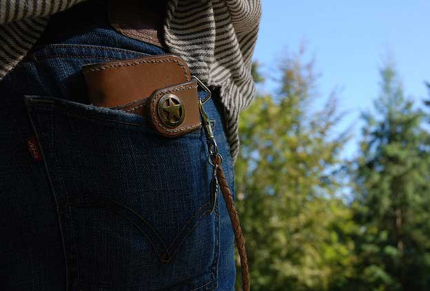 Are you traveling? Mind the pickpockets