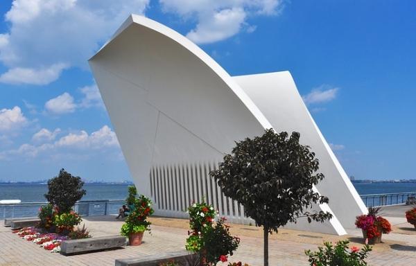 memorial-building 9-11