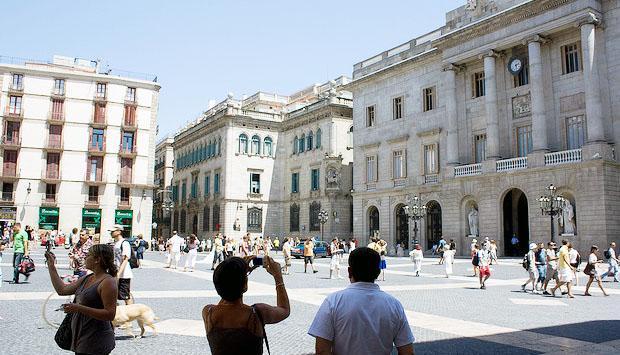 Holiday Spots for Singles - Barcelona