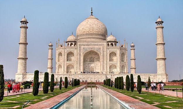 Delhi City and Hotels Guide - Taj Mahal India