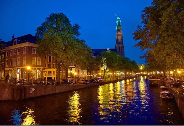 Amsterdam hotels - Amsterdam River