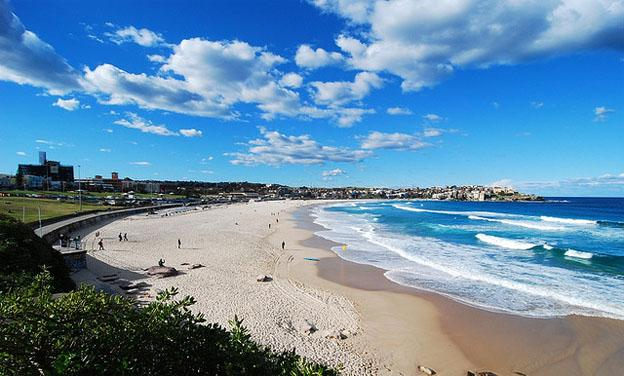 Summer activities in Sydney - Bondi beach