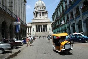How to Travel Cuba - Havana Capitolio