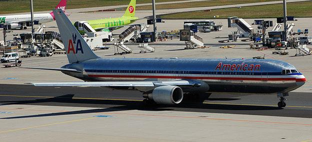 Worlds safest airlines - American airlines airplane