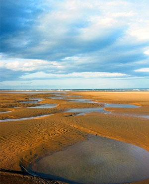 Budget UK Getaways - Balmedie beach