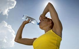 How to stay fit while traveling - Drinking water