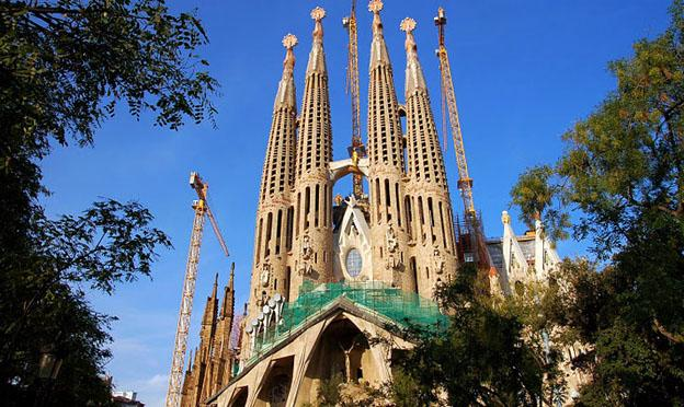 Best Places to Go in Barcelona - Sagrada Familia