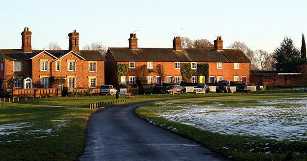 Beautiful Walks in Hampshire - Hartley wintey village Hampshire