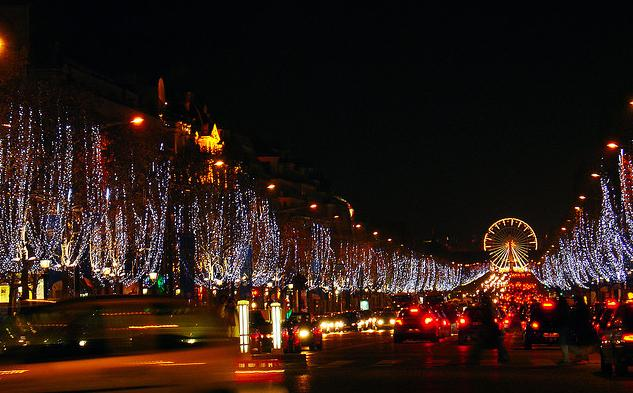 Romantic Vacation Ideas - Paris Christmas Holiday