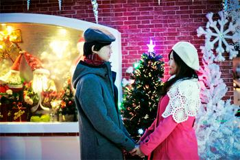 romantic-couple-christmas