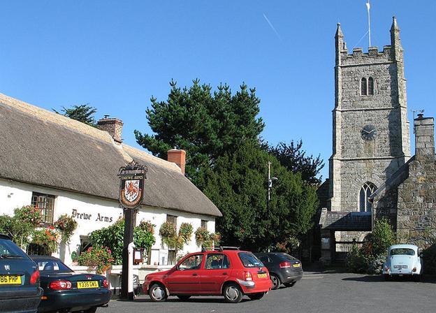 Best Pub Grub in Devon - Drewe arms pub