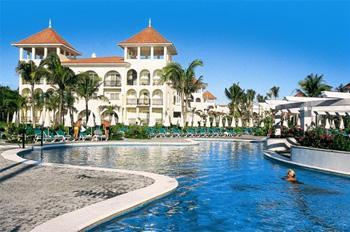 "Mexico: Resort vs. ""Real"""