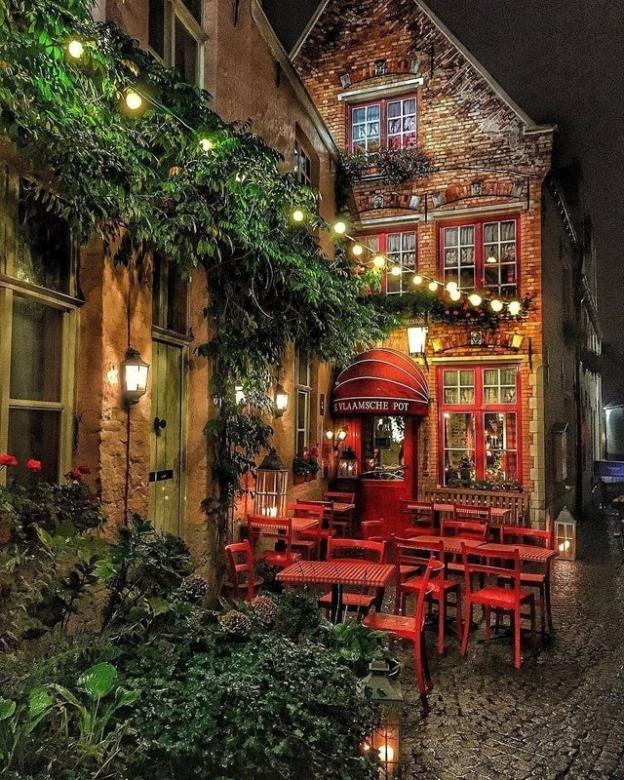 Little Restaurant In Bruges, Belgium