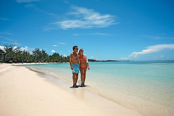 Mauritian Holiday - Strolling on the beach