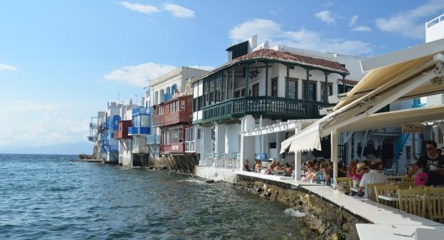Mykonos restaurant by the port
