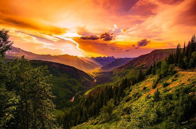 Sunset in the US mountains