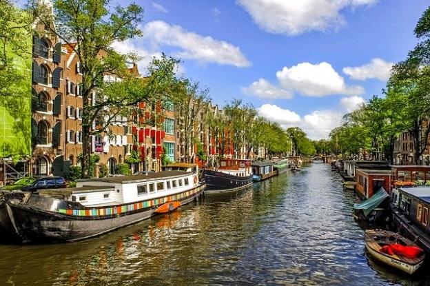 Amsterdam Canals - My Amsterdam travel blog